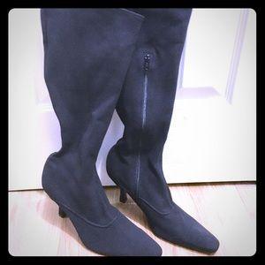 Black Enzo Angiolini boots